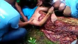 Indonesia: Cá sấu kéo người xuống sông, 1 ngày sau đem trả xác?