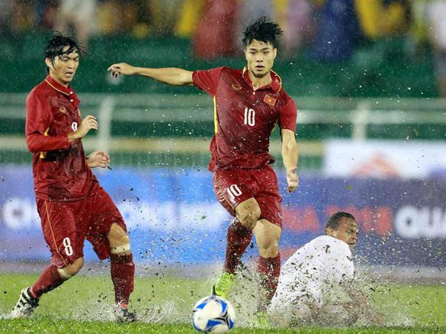 Sếp mới của Công Phượng trổ tài, U23 Việt Nam thắng vang dội - 11