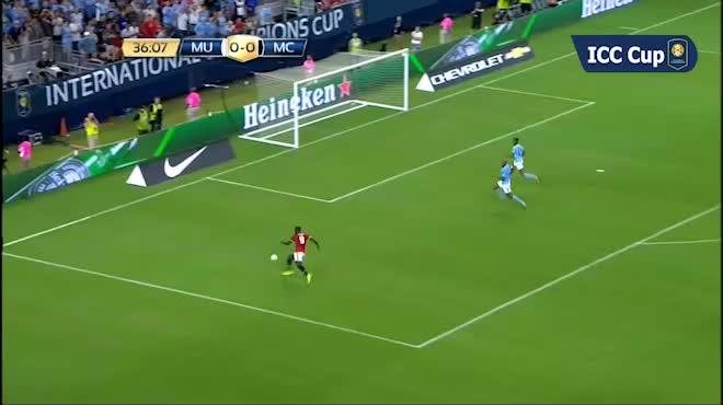 """MU """"vớ bẫm"""" tiền đạo xịn: Lukaku sẽ hay hơn Ibrahimovic"""