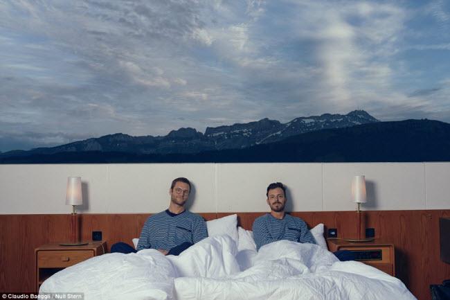 Lạ lùng khách sạn không có gì ngoài giường trên núi Alps - 7