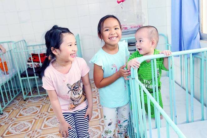 Việt Hương khóc nghẹn khi được chồng thể hiện tình cảm trên truyền hình - 13