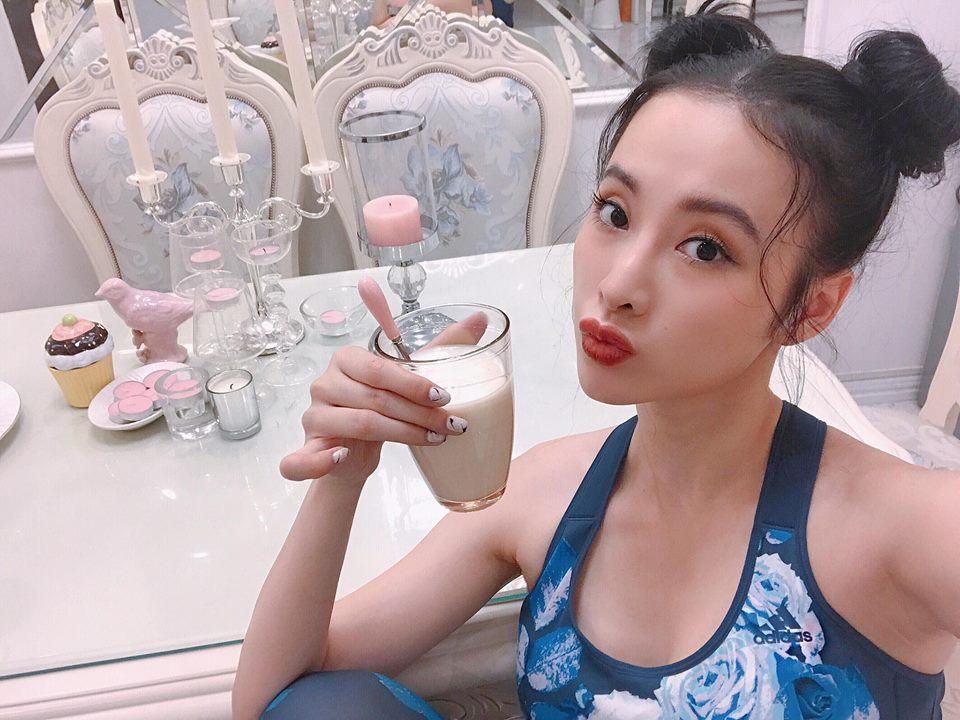 """Angela Phương Trinh tái xuất khoe 3 vòng """"bỏng mắt"""" ở phòng tập - 1"""
