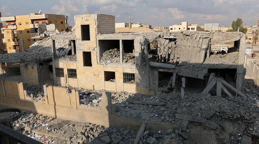 """Nhân chứng kể lại cảnh hãi hùng tại """"thủ đô"""" IS ở Syria - 2"""