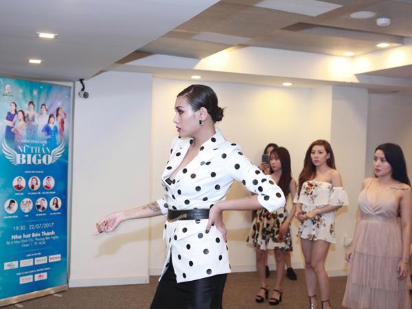 Phớt lờ mọi ồn ào, Võ Hoàng Yến làm giám khảo cùng MC Tùng Leo - 5