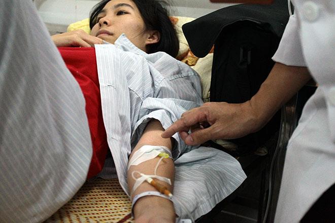 Bệnh viện quá tải, bác sĩ quay cuồng vì dịch sốt xuất huyết - 3