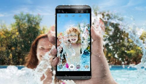 LG Q8 trình làng: Cấu hình tầm trung, có chống nước - 1