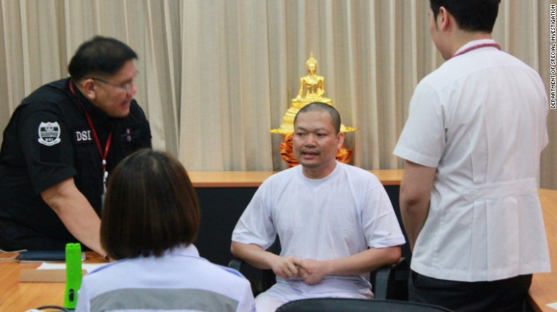 Nhà sư ăn chơi bậc nhất Thái Lan nói chỉ làm điều tốt đẹp - 3