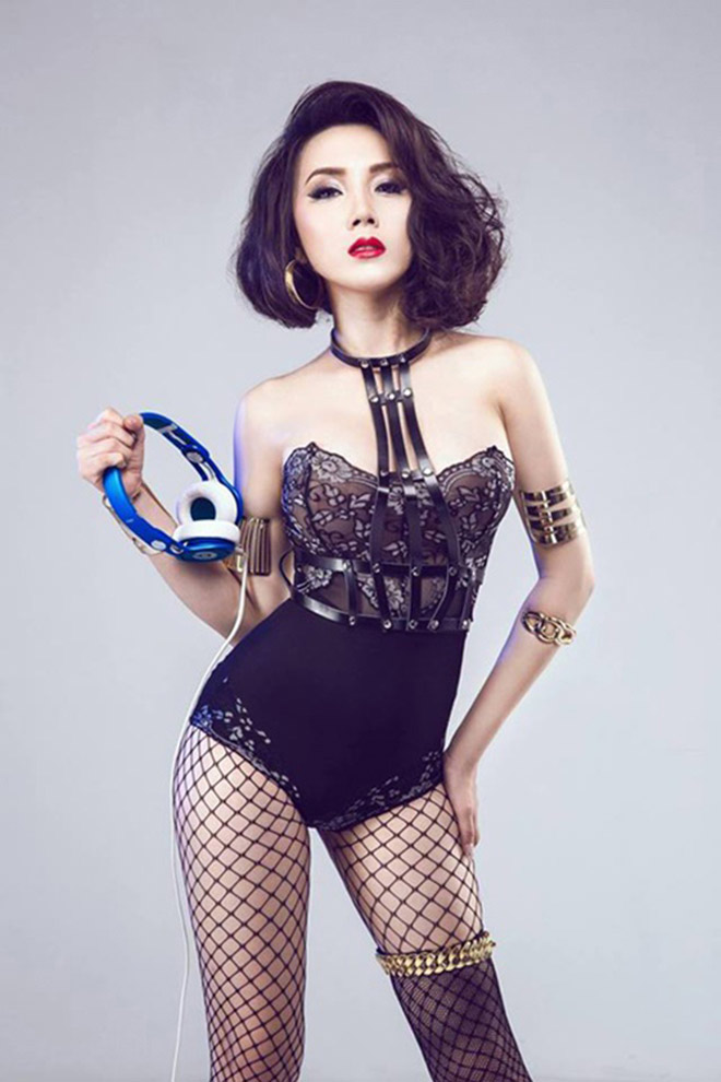 """Bí mật thân hình """"nóng rát mắt"""" của bạn gái Khắc Việt - 3"""