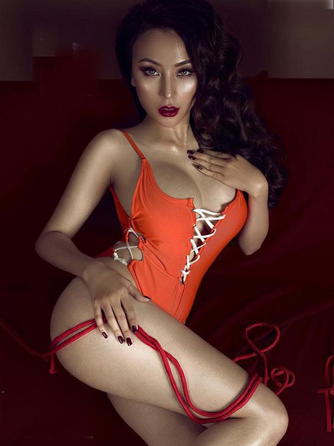 """Bí mật thân hình """"nóng rát mắt"""" của bạn gái Khắc Việt - 4"""