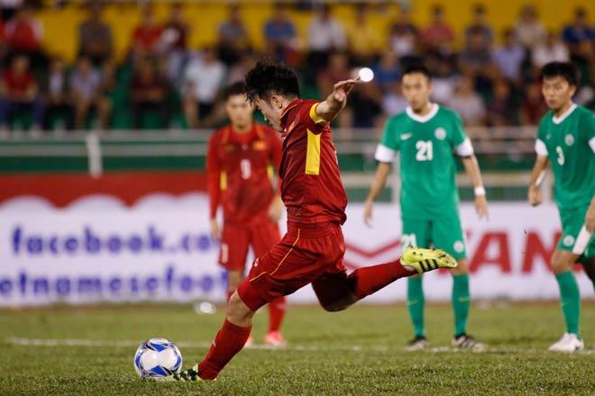 Sếp mới của Công Phượng trổ tài, U23 Việt Nam thắng vang dội - 6