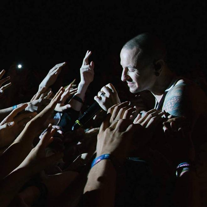 Quá khứ rùng mình của thủ lĩnh quá cố Linkin Park vừa treo cổ tự vẫn - 6