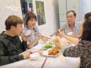 """Hari Won hé lộ chuyện """"khó tưởng tượng"""" khi sống chung với bố mẹ Trấn Thành"""
