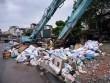 """""""Khủng hoảng"""" rác thải, phố Thủ đô ngập chìm trong… rác"""