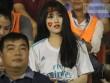 Vượt 800 km, người đẹp không hài lòng về U23 Việt Nam