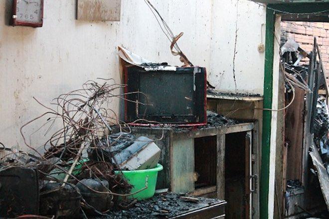 Những nguyên tắc 'nằm lòng' khi sử dụng tivi mùa mưa bão - 2