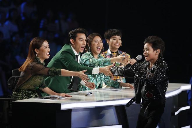 """Miu Lê phát cuồng vì Isaac nhí làm """"nổ tung"""" sân khấu Vietnam Idol Kids - 2"""
