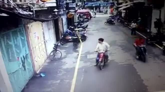 Đối tượng trộm xe đạp cô gái nước ngoài phượt xuyên Việt khai gì?