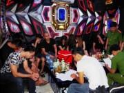 An ninh Xã hội - Bắt quả tang 10 nam thanh, nữ tú bay lắc tại quán karaoke