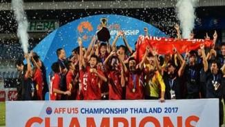"""""""Người hùng"""" U15 Việt Nam hạ knock-out Thái Lan và phút thót tim"""