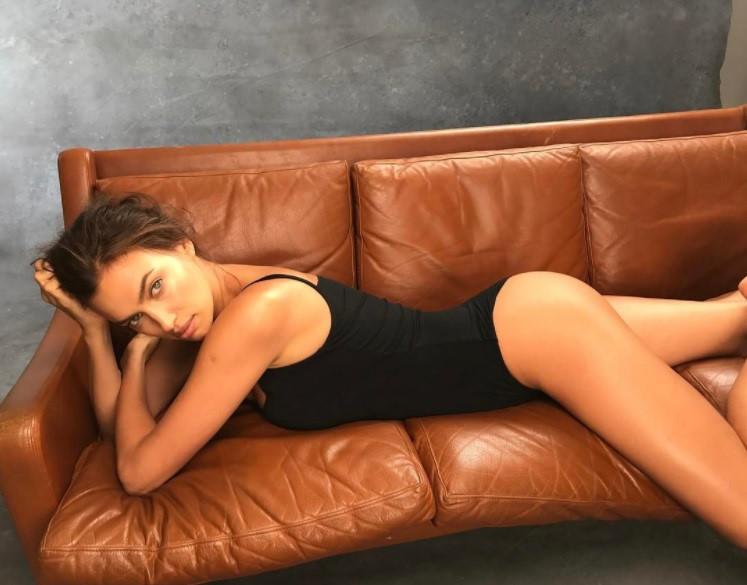 Ảnh bán nude mới của Irina Shayk liệu có làm CR7 tiếc đứt ruột? - 5