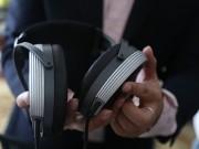 Cận cảnh hệ thống tai nghe 1,6 tỉ đồng đầu tiên tại Việt Nam