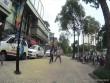 """Clip: Tài xế và điều hành taxi """"đấu võ"""" kịch liệt giữa phố SG"""