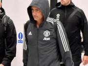 MU - Mourinho thất trận: Kiệt quệ trở về, vội vã ra đi