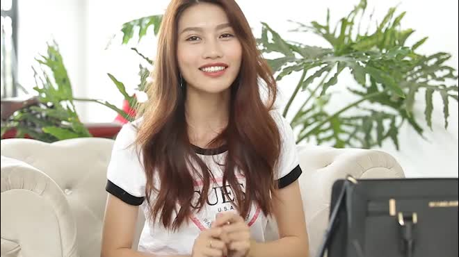 """Bất ngờ trong """"túi Doremon"""" của hoa khôi Next Top Việt"""