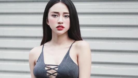 Mỹ nữ xinh và sexy thế này mà vẫn bị loại thẳng tay