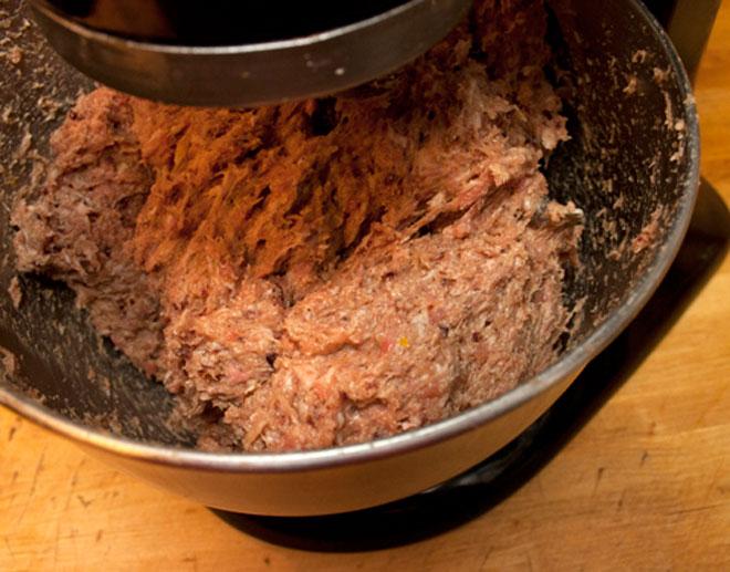 Bật mí cách làm xúc xích gà ngon, sạch mà dễ không tưởng - 12