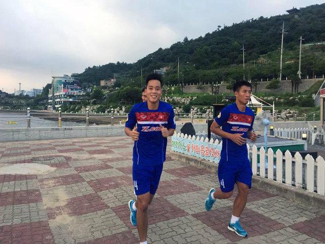 """U23 Việt Nam """"luyện công"""" tại Hàn Quốc, tạo đà tới SEA Games 29"""