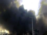 Tin tức trong ngày - Xưởng cao su ở SG cháy dữ dội, nhiều người lao ra từ biển lửa
