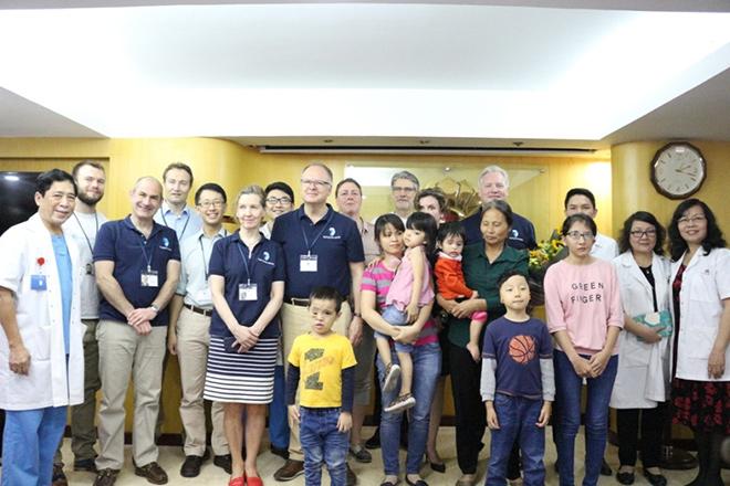 Bệnh viện Hồng Ngọc tiếp nhận hồ sơ phẫu thuật dị tật hàm mặt miễn phí - 1