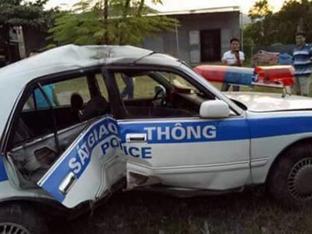 Xe CSGT Quảng Ninh lật nhào khi truy đuổi tội phạm ma túy