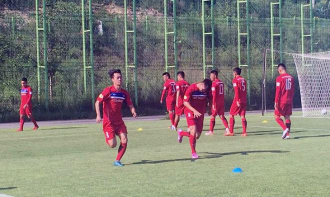 U23 Việt Nam rèn tốc độ, chờ đọ sức với sao Hàn Quốc - 6