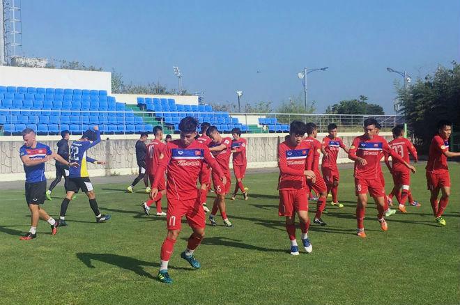 U23 Việt Nam rèn tốc độ, chờ đọ sức với sao Hàn Quốc - 1