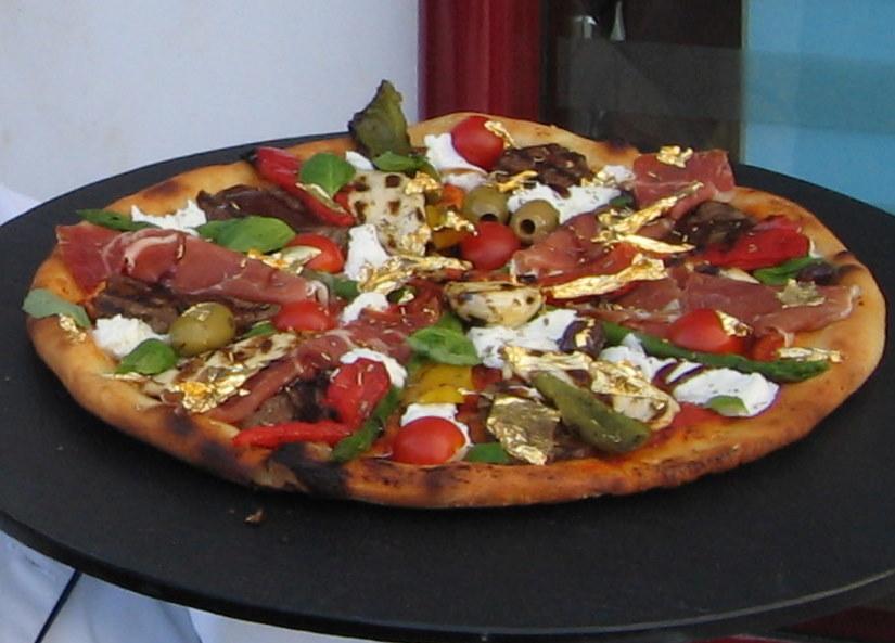 Bạn có dám đặt cho mình chiếc pizza trị giá 95 triệu không? - 2
