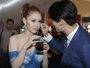 Phim - Quá tình cảm ở sự kiện, Minh Hằng lại hẹn hò bạn diễn?
