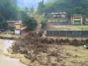 Tin tức trong ngày - Kinh hoàng: Lũ quét trong đêm, 8 người mất tích, nhiều nhà bị cuốn trôi