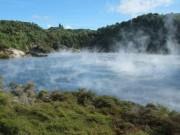 Du lịch - Bí ẩn hồ nước nóng như chảo chiên ở New Zealand