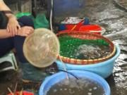 Thị trường - Tiêu dùng - Khách e dè với tôm sau các vụ phát hiện bơm tạp chất