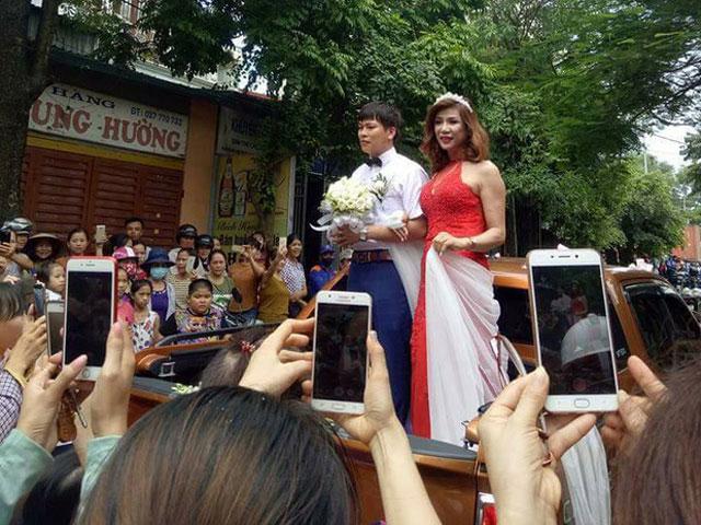 Đám cưới nổi nhất xứ Thanh của cô dâu chuyển giới - 7