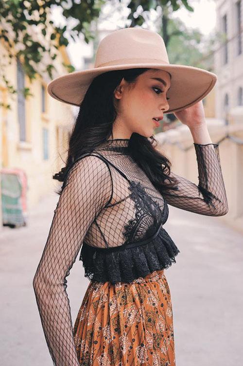 Cách khoe áo lót không gọng mút sexy, chẳng hề phản cảm - 12