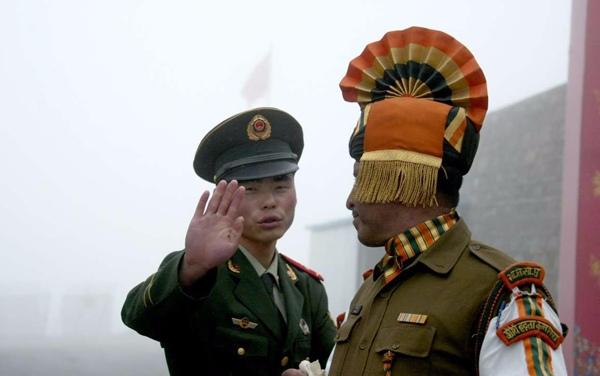 Tranh chấp Trung - Ấn, lợi hại tới ASEAN thế nào? - 1