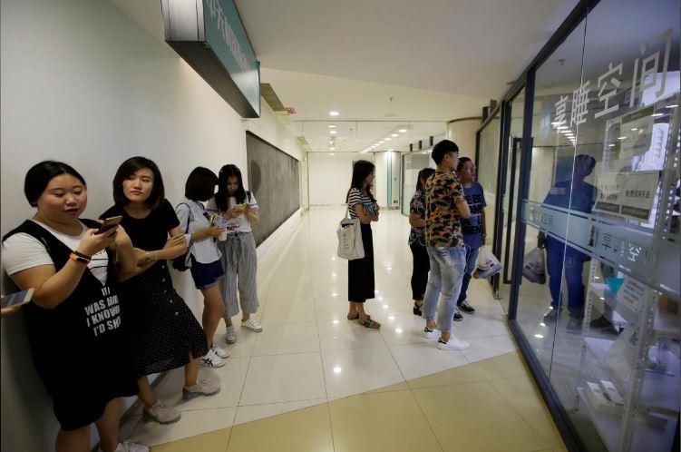 """Có gì trong """"khách sạn tổ kén"""" cho dân văn phòng ngủ trưa ở Trung Quốc? - 14"""