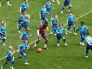 Bóng đá - 1 chọi 16: SAO Arsenal nghìn tỷ đồng phô diễn đẳng cấp