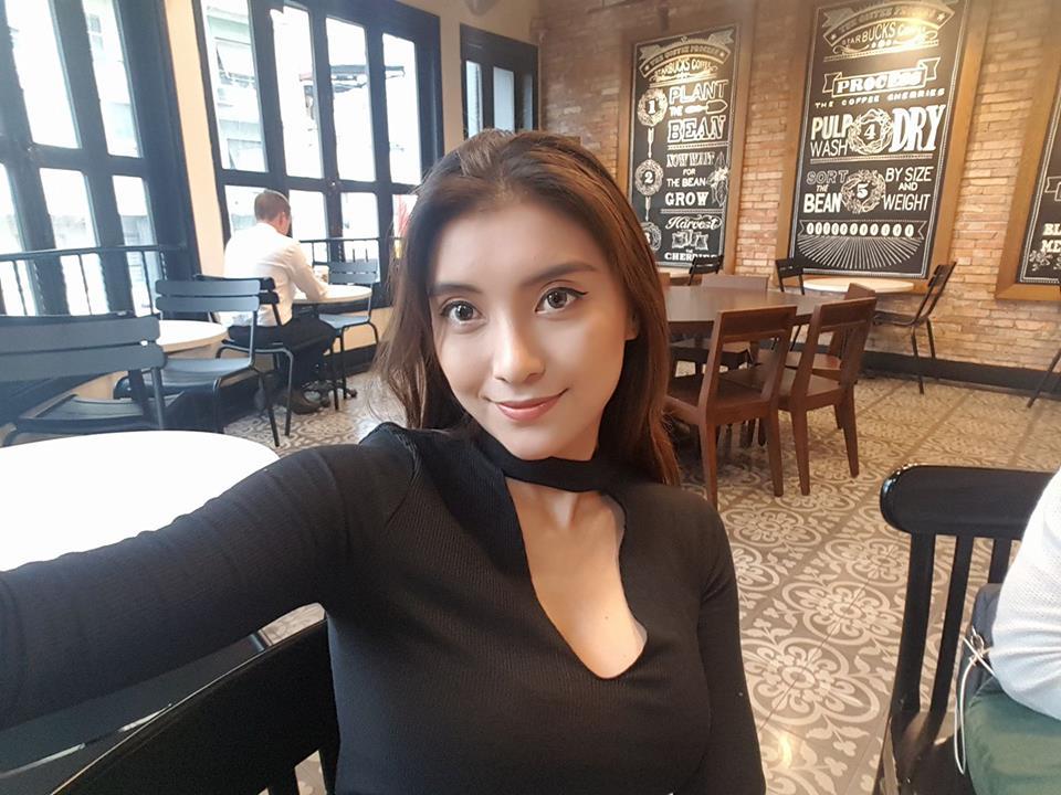 Vợ cũ Phan Thanh Bình khoe thềm ngực đầy khiến fan phát sốt - 13
