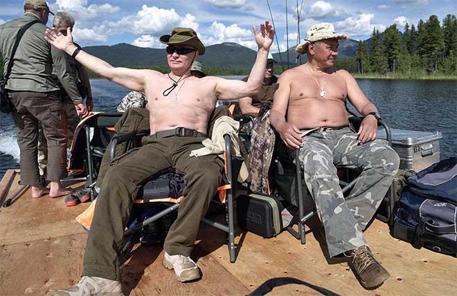 Putin cởi trần, tận hưởng kỳ nghỉ hè tràn đầy ánh nắng - 3