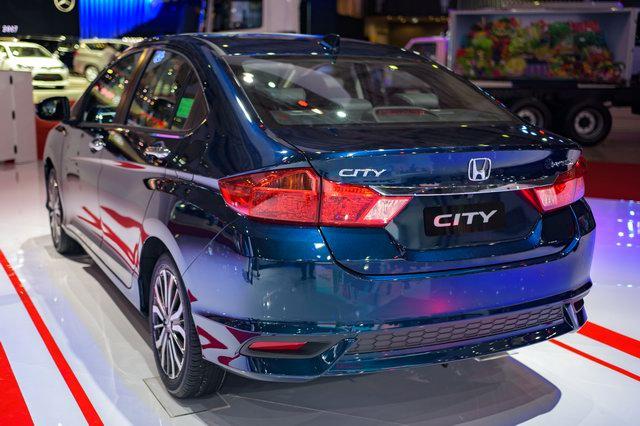 Cận cảnh Honda City 2017 1.5TOP tại VMS 2017 - 3