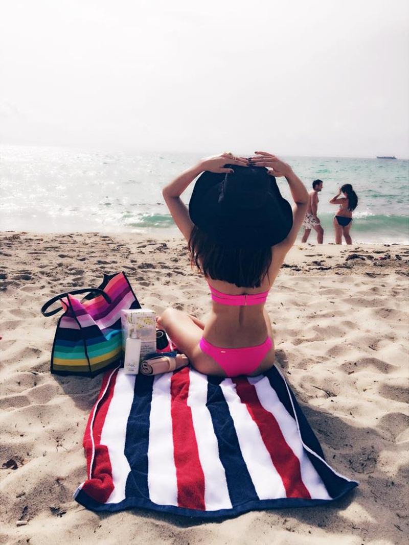 """""""Mòn mắt"""" vì gái 1 con Ngọc Quyên mặc bikini, mẹ bỉm sữa """"phát hờn"""" - 11"""